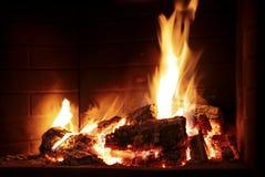 Fuoco Burning in un camino Immagine Stock