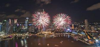 Fuoco d'artificio in città Fotografie Stock Libere da Diritti