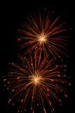 Fuoco d'artificio di alta qualità sopra esposizione lunga del cielo notturno Fotografie Stock