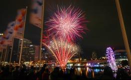 Fuoco d'artificio nella città Immagini Stock Libere da Diritti
