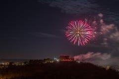 Fuoco d'artificio sopra la città di Gorizia, Italia Immagini Stock Libere da Diritti