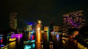 Fuoco d'artificio sul fiume, Bangkok immagini stock