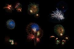 Fuoco d'artificio variopinto su fondo nero fotografia stock libera da diritti