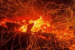 Fuoco del falò della fiamma delle scintille Fotografia Stock Libera da Diritti