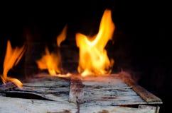 Fuoco della fiammata dalla fiamma Fotografia Stock