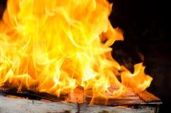 Fuoco della fiammata dalla fiamma Fotografie Stock