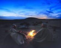 Fuoco di accampamento del deserto immagine stock