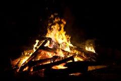 Fuoco di accampamento o falò Burning fotografie stock libere da diritti