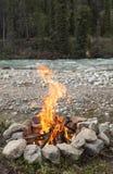 Fuoco di accampamento su Wheaton River Fotografie Stock