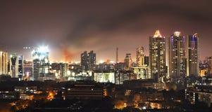 Fuoco nel nightline di Bandra Mumbai Fotografie Stock
