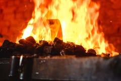 Fuoco nella fornace nella fucina, strumenti Fotografia Stock Libera da Diritti