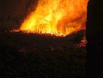 Fuoco nella griglia della fornace della caldaia Immagini Stock Libere da Diritti