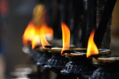 Fuoco selettivo delle fiamme di candela Fotografia Stock Libera da Diritti
