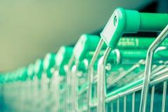 Fuoco verde dell'allineamento del carrello sulla maniglia Immagine Stock Libera da Diritti