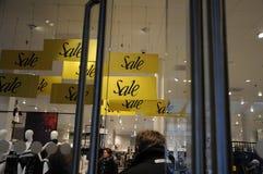 50% fuori dalla vendita al grande magazzino di Magasin du nord Immagine Stock