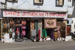 Fuori dei negozi in Udaipur Fotografia Stock Libera da Diritti