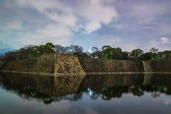 Fuori del castello di Himeji alla notte Fotografia Stock