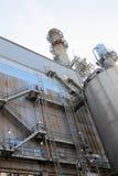 Fuori dell'immagine d'acciaio di verticale del fabbricato industriale Immagini Stock Libere da Diritti