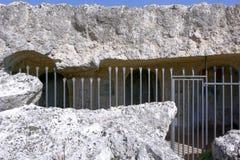 Fuori della chiesa della roccia nelle pietre di Matera Fotografia Stock