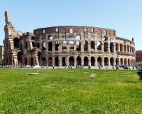 Fuori di Roman Coliseum imperiale immagine stock libera da diritti