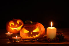 Furchtsame Halloween-Kürbise Steckfassung-Olaterne Stockfoto