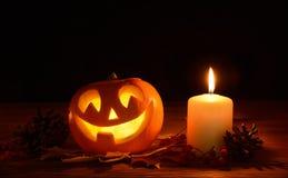 Furchtsame Halloween-Kürbise Steckfassung-Olaterne Lizenzfreies Stockbild