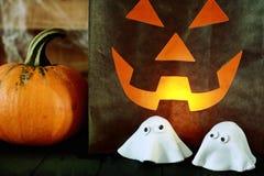 Furchtsamer Halloween-Parteihintergrund Stockfotos