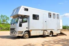 Furgone del camion del trasporto del cavallo Fotografia Stock