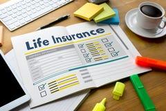 Furgone medico della casa di protezione della salute di concetto di assicurazione sulla vita fotografie stock