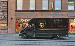 Furgoneta de UPS en la calle Fotografía de archivo libre de regalías
