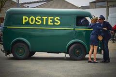 Furgoneta francesa del vintage del servicio postal Imagen de archivo