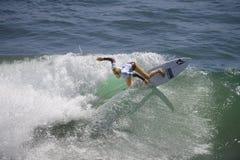 2015 furgoni Stati Uniti si aprono di concorrenza praticante il surfing Fotografia Stock