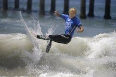 2015 furgoni Stati Uniti si aprono di concorrenza praticante il surfing Immagini Stock Libere da Diritti