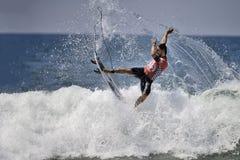 2015 furgoni Stati Uniti si aprono di concorrenza praticante il surfing Fotografie Stock Libere da Diritti