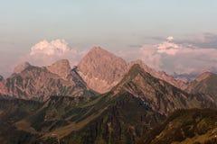 Furkajoch przepustka - zmierzchów widoki nad Bregenzerwald górami od Furkajoch przechodzą zdjęcia stock