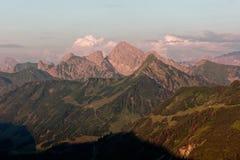 Furkajoch przepustka - zmierzchów widoki nad Bregenzerwald górami od Furkajoch przechodzą obraz royalty free