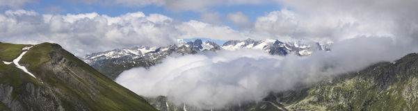 Furkapass в Швейцарии. Стоковые Фото