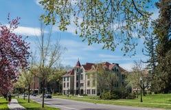 Furman Hall na Oregon stanu kampusie w wiośnie Zdjęcie Stock