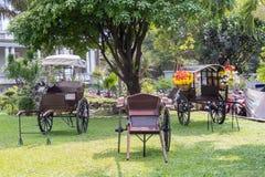 Furmani bez konia przy Ho Chi Minh miastem Muzealny poprzedni Saigon obrazy stock