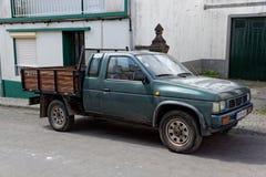 Furnas, Portugal - 8. Mai: Retro- Auto am 8. Mai 2014 in Furnas stockbilder