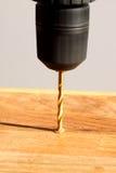 Furo de perfuração na madeira Imagem de Stock Royalty Free