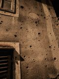 Furos de tiro Sarajevo da arma imagens de stock