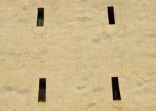 Furos do tiro de uma torre velha em Brasov foto de stock royalty free