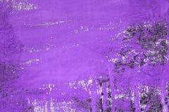 Furos enormes roxos na textura suja do estuque - fundo abstrato agradável da foto fotografia de stock royalty free