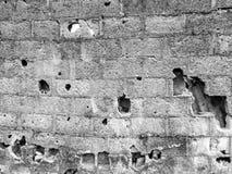 Furos na textura velha do teste padrão da parede da cerca Imagem de Stock Royalty Free