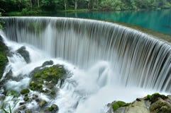 Furos pequenos de guizhou do chinês sete da cachoeira fotos de stock royalty free