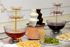 Furshetny desktop wina scena, gorąca czekolada i owoc, Obrazy Royalty Free