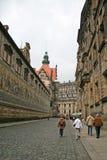 Furstenzug (a procissão dos príncipes, 1871-1876, 102 mede, 93 povos) Dresden, Alemanha fotografia de stock