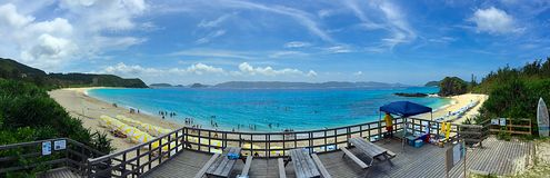 Furuzamami海滩, Zamami海岛,冲绳岛,日本全景视图  免版税库存照片