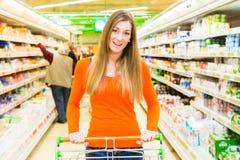 fury zakupy supermarketa kobieta Zdjęcia Stock